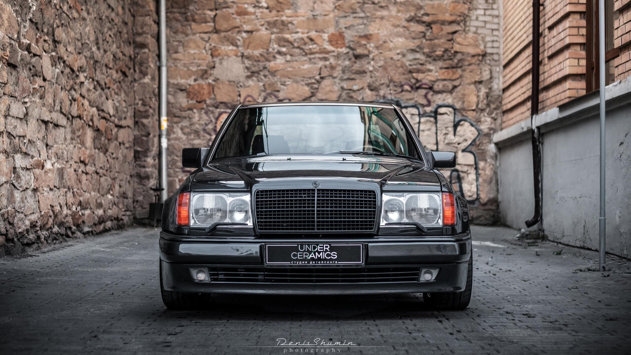 Одна из самых удачных моделей Brabus – W124 6.0, построенный на базе Mercedes-Benz 500E. Вышедшая в 1994 году, она и сейчас очень ценится среди автолюбителей