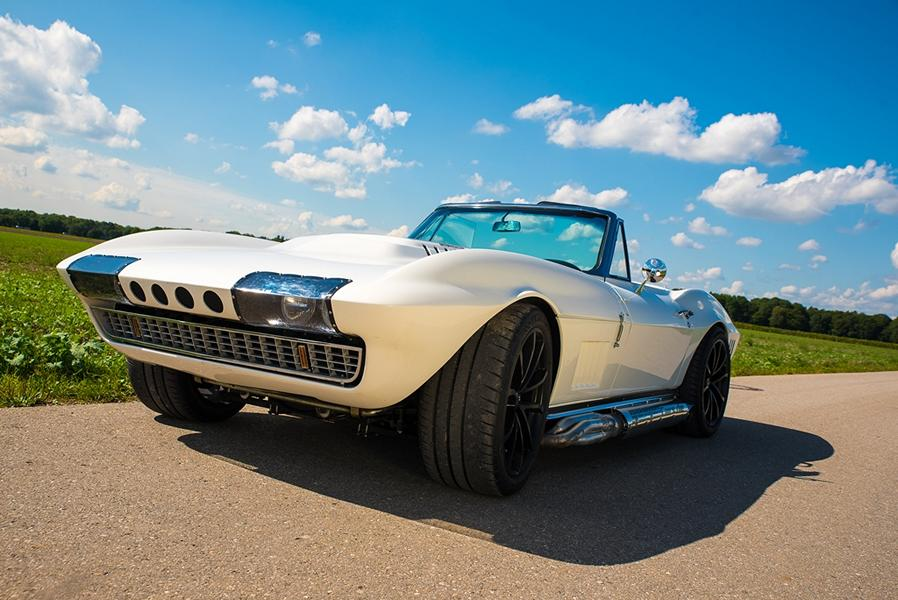 Karl Geiger, a professional tuner of the GeigerCars team, has unveiled a tuning program which includes giving the classical Chevrolet Corvette C2 Cabrio a new, powerful engine