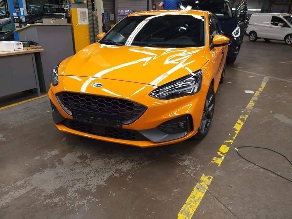 В интернете стремительно распространяются снимки спортивной модификации хэтча Ford Focus – ST