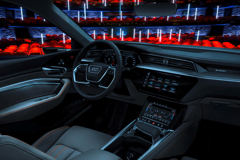 Car manufacturer Audi just announced it would reveal an innovative 'virtual car theater' technology at the CES show in Las-Vegas