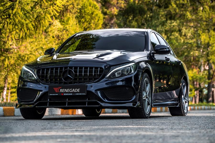 Российская мастерская Renegade Design выпустила аэродинамический боди-кит для актуального Mercedes-Benz C-класса (W205)
