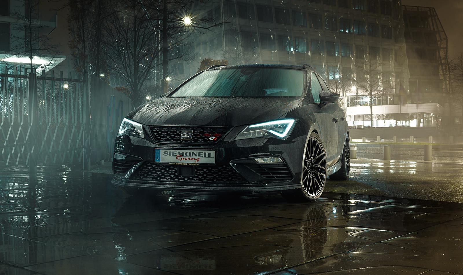 Мастерская Siemoneit Racing (Германия) представила программу улучшения универсала Seat Leon ST Cupra