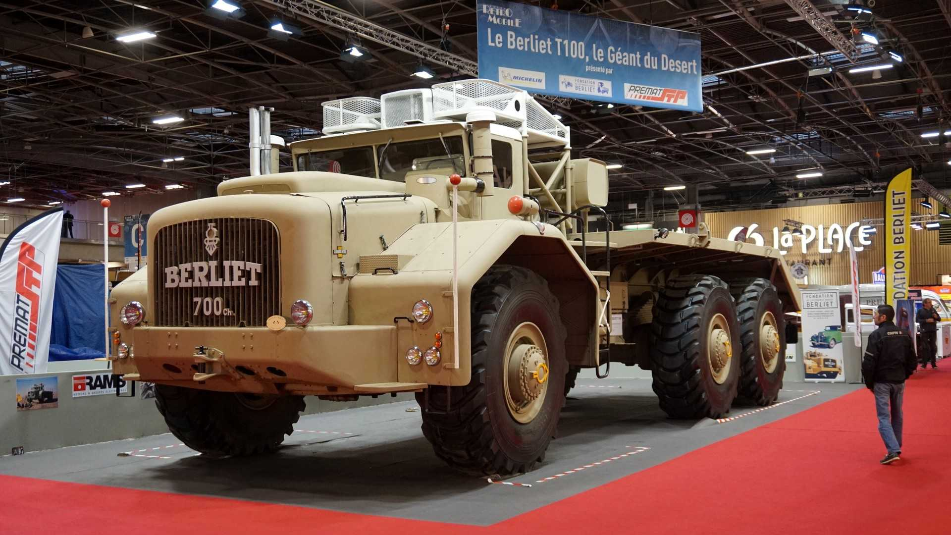 Речь идет о Berliet T100 – самом большом тягаче 50-х гг.