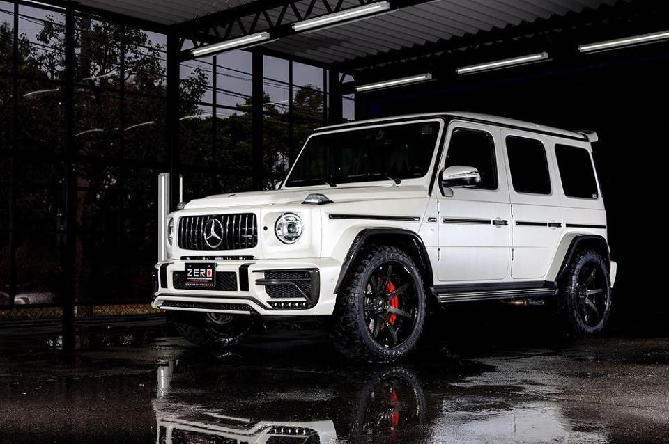 Japanese body kit creator Zero Design has arrived at the Osaka motor show with a wide body kit for the Mercedes G63 (W464)