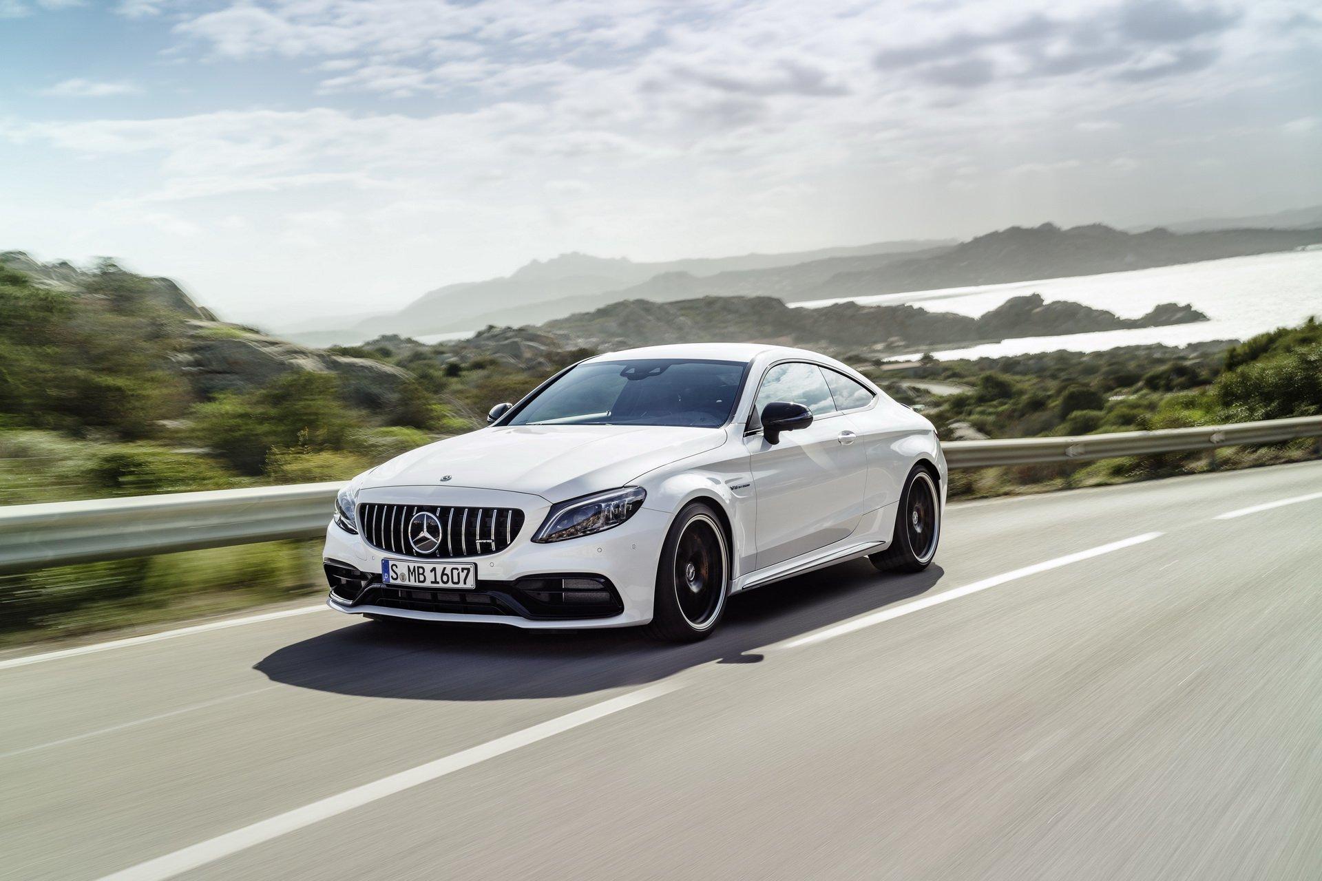 Компания Mercedes-Benz планирует электрифицировать семейство AMG за счет появления подключаемых гибридов