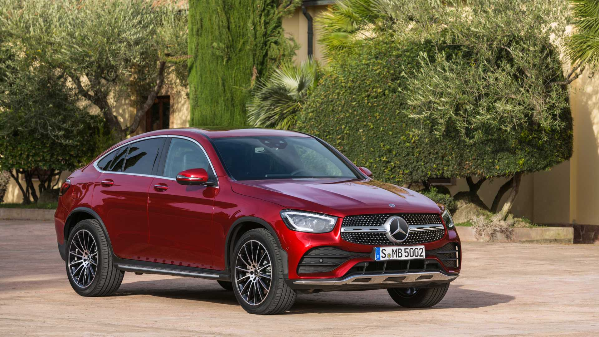 Mercedes-Benz has held a live online reveal event dedicated to its facelifted GLC SUV coupe