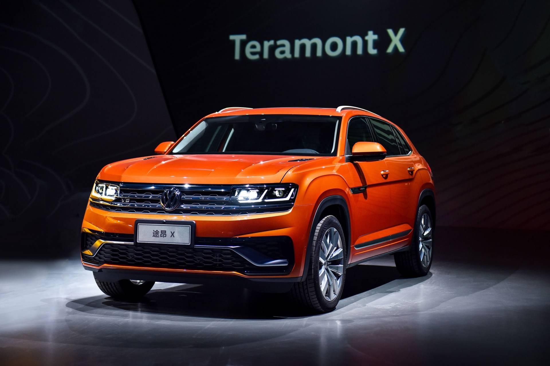 На специальном мероприятии в Китае немецкий автогигант «Фольксваген» презентовал кроссы в купеобразном кузове – Teramont X и SUV Coupe