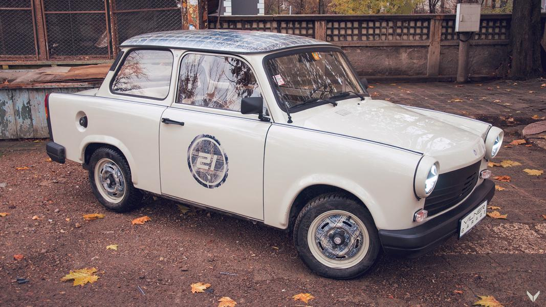 Bulgarian car tuner Vilner has completed working on a full restoration and modernization of a Trabant 1.1 mini sedan/saloon
