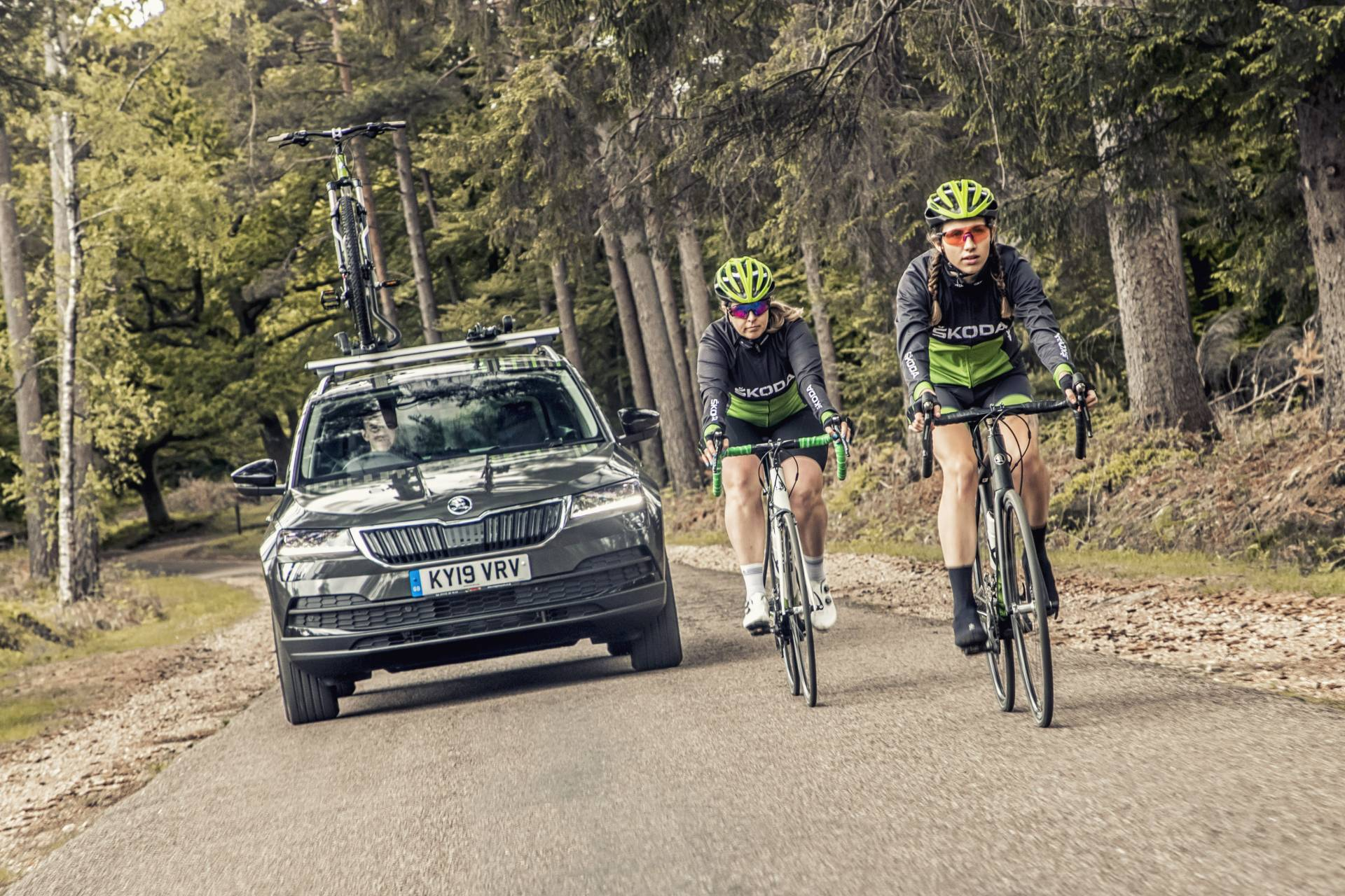 The British subsidiary of Skoda has come out with the Karoq Velo, a version of its popular compact SUV adapted to the needs of cyclists