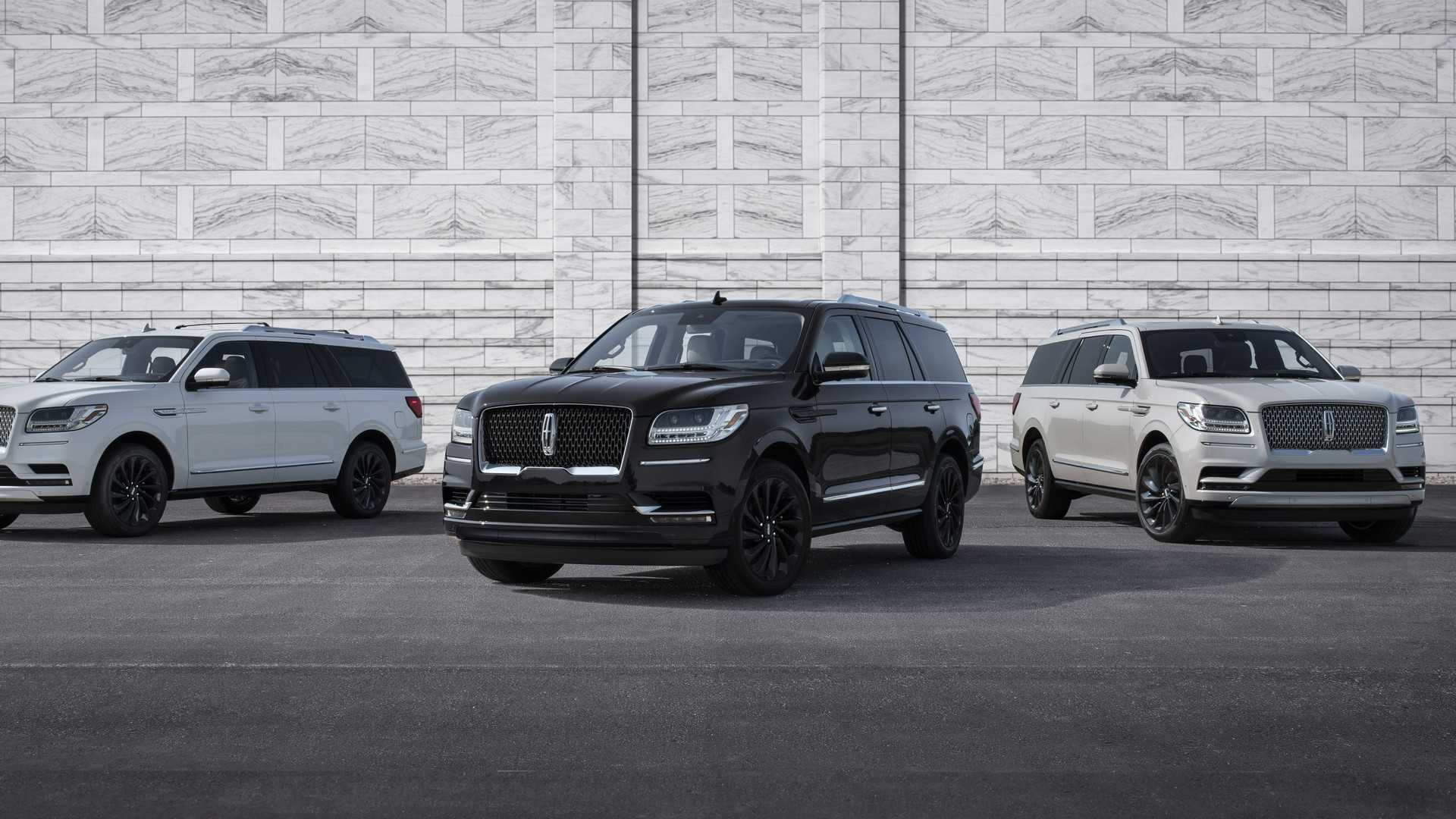 Lincoln Motor Company has taken the wraps off the 2020 Lincoln Navigator SUV. The facelift brings along extended standard equipment and three Monochromatic styling packages.