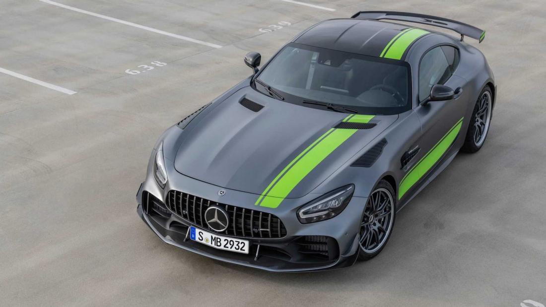 Подразделение Mercedes-AMG объявило о старте продаж трекового суперкара GT R Pro в США. Модель оценили в $199 650.
