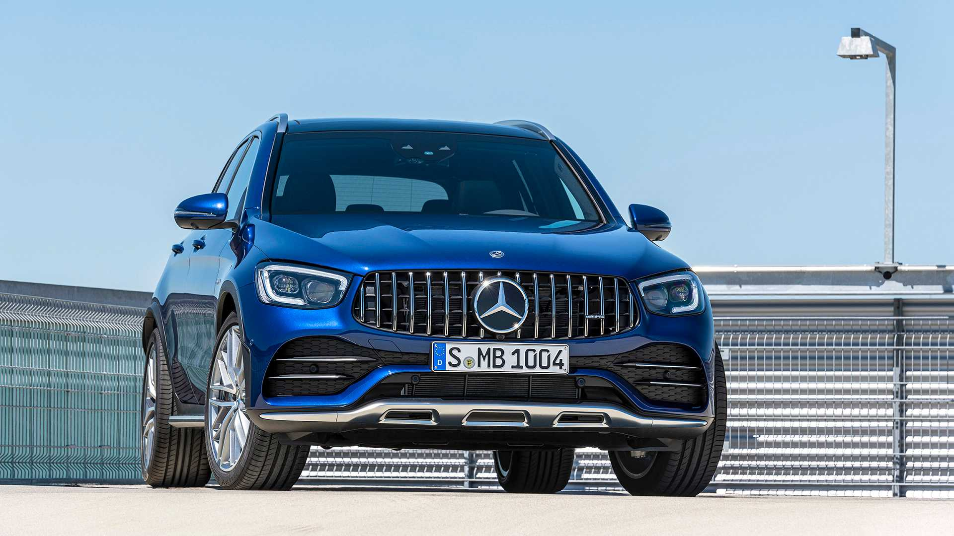 We have all heard rumors that Mercedes wanted to drop the youngest AMG from the GLC family altogether. Luckily for us, the company just came out with the facelifted GLC 43, proving that the agile crossover SUV isn't going anywhere yet.