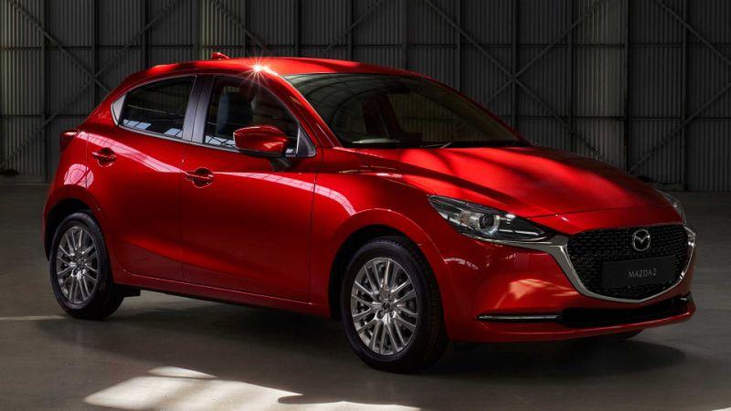 Четвертое поколение Mazda 2 выпускается с 2014 года и уже успело пережить небольшое обновление в 2016-м. Сейчас изменения серьезнее. Двушка стал