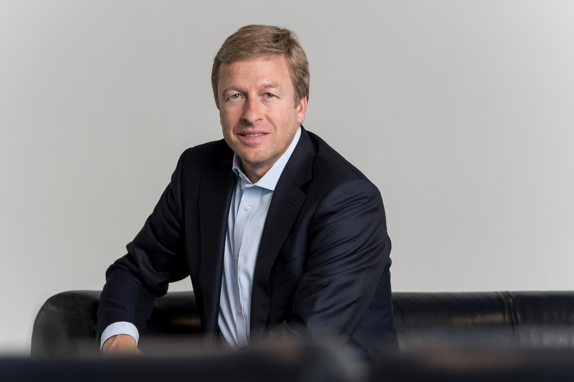 If there is a gap, someone will always fill it. When former BMW CEO Harald Krueger told the supervisory board in early July that he felt like retiring from his position, the company did not object. Instead, a search for the new candidate begun.
