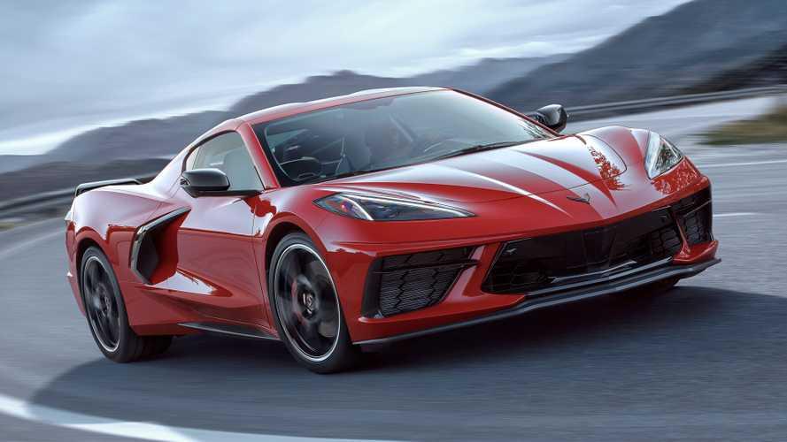 Представлено восьмое поколение легендарного спорткара Chevrolet Corvette. Компоновка изменилась радикально: теперь «Корвет» – среднемоторный.