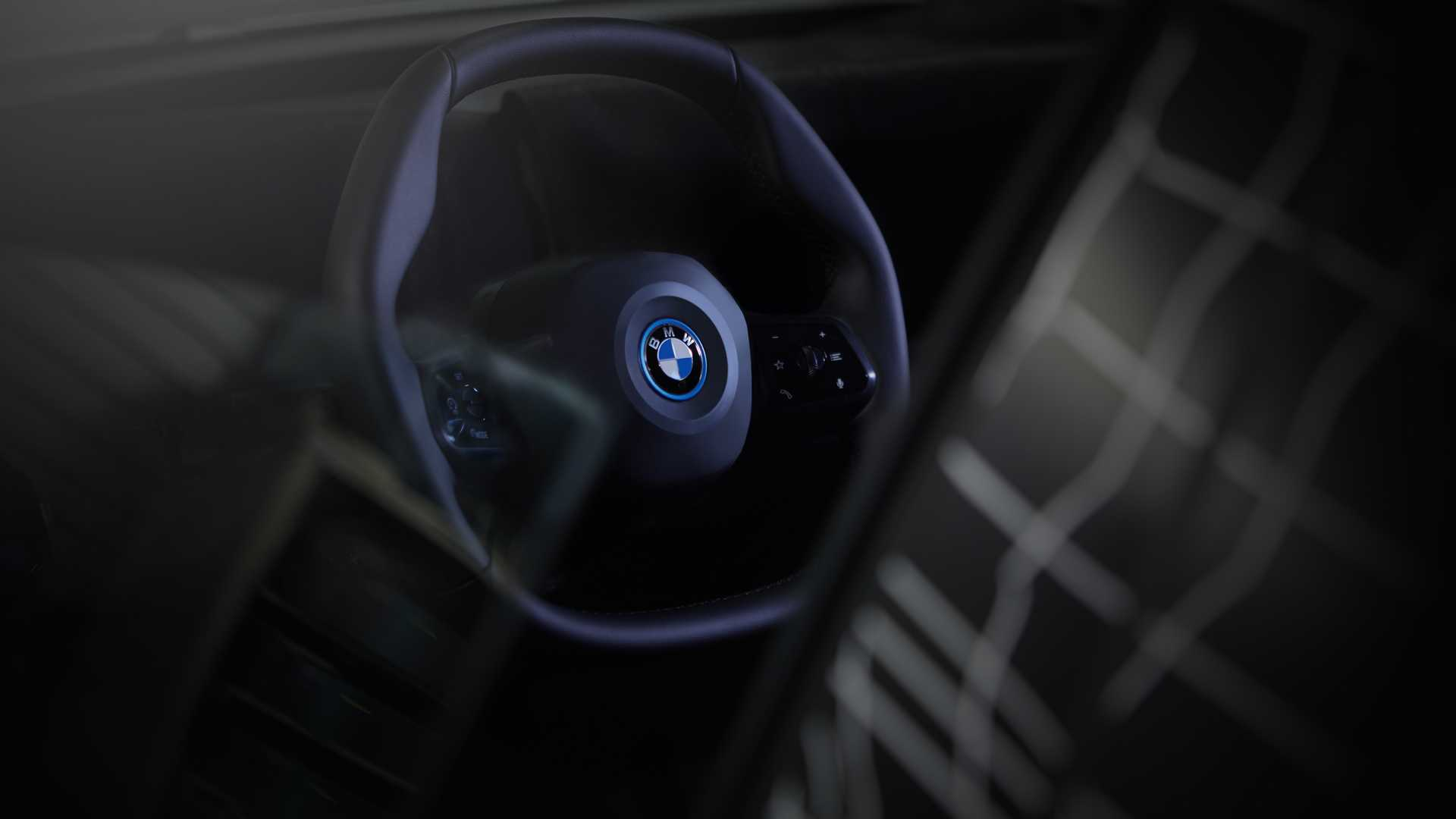 BMW has deigned us worthy of seeing another pic of its upcoming all-electric crossover SUV, the iNext. The image focuses on the car's originally shaped steering wheel. According to the company, the hexagonal wheel ensures more legroom for the driver while also improving dashboard visibility.
