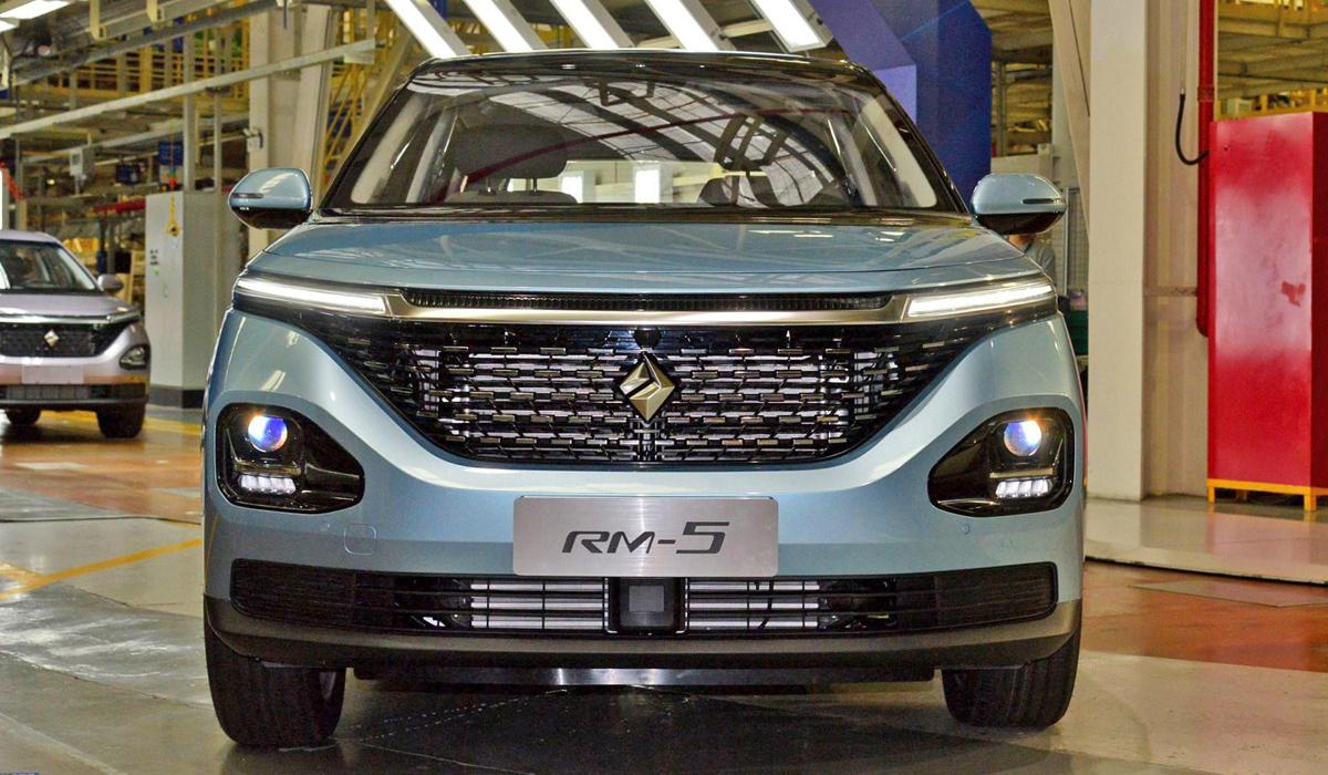 Бренд Baojun, образованный General Motors и SAIC, запустил серийную сборку компактвэна RM-5. Давайте вспомним особенности этой модели.