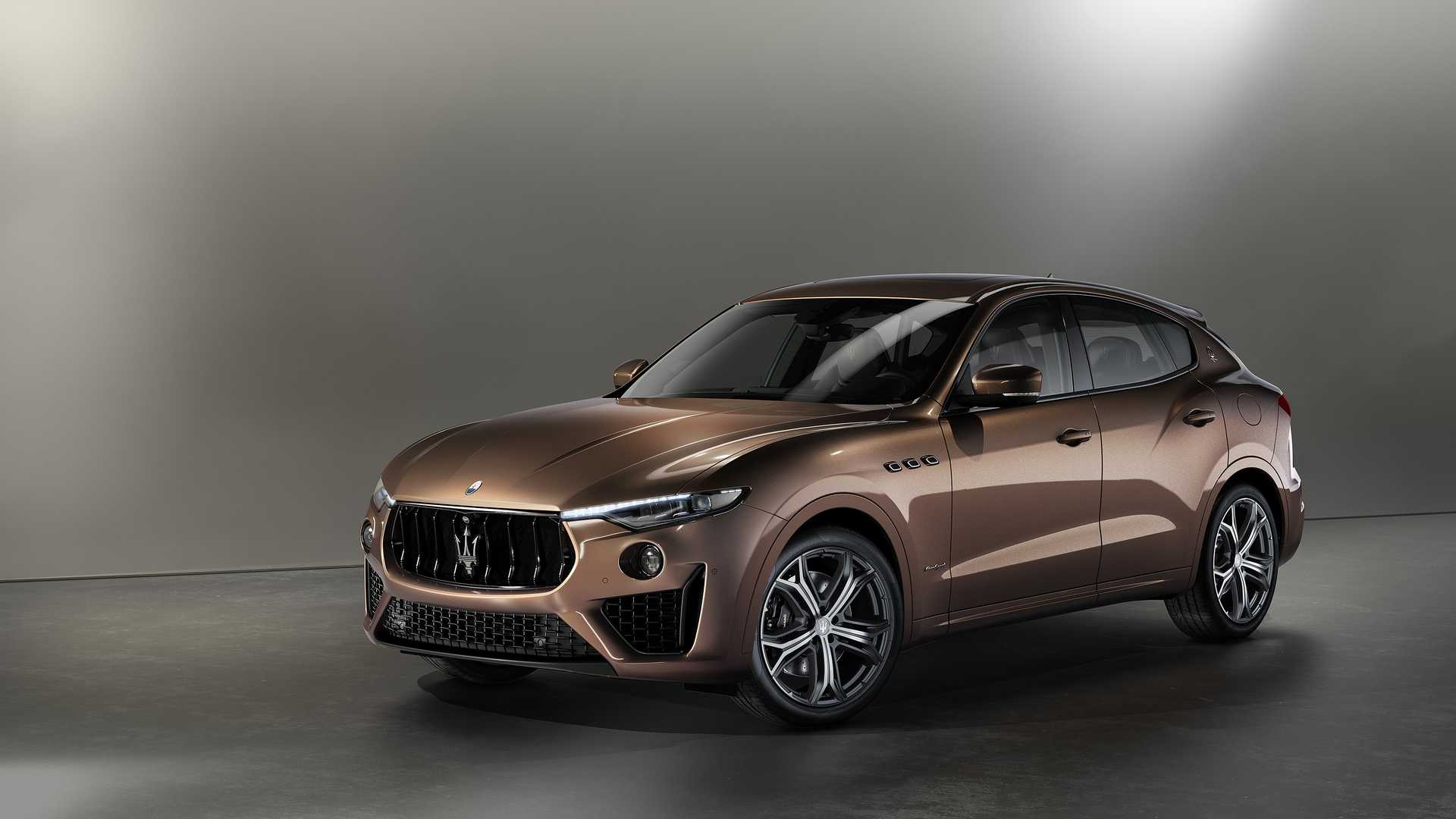 Luxury carmaker Maserati will be unveiling exclusive editions of its Quattroporte sedan/saloon and Levante SUV at the Monterey Car Week kicking off on August 14, 2019. Each one will emerge next spring in a series of 50, and the prices remain unannounced.