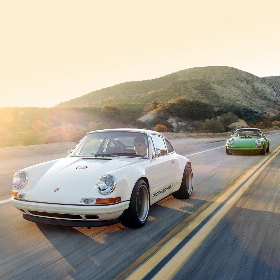 Singer Vehicle Design celebrates its 10th birthday this year. Ten years is not much at all by tuner standards, but the dedicated Porsche restomod builder has already found international acclaim as one of the best ones. At the upcoming Monterey Car Week, the team will once again demonstrate the last year's crowd favorite, the Porsche 911 DLS.