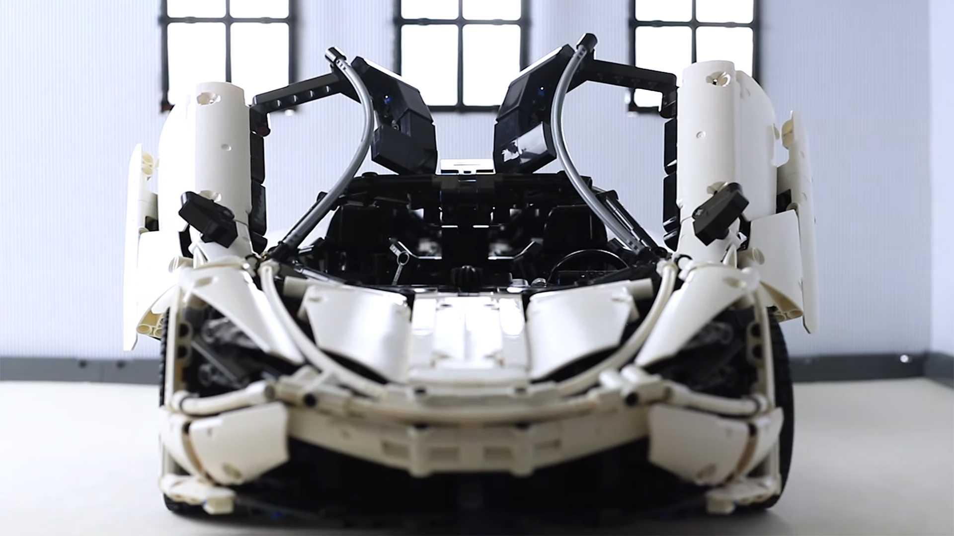 На одном из Ютуб-каналов появилось видео с масштабной копией McLaren 720S из набора Lego Technic. Автор затратил на постройку два года.