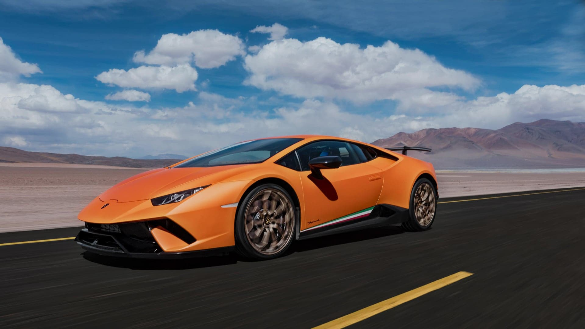 A video has recently popped up on YouTube showing a Lamborghini Aventador SV competing against a Huracan Performante on wet asphalt. The two vehicles were compared in a drag race, a rolling race, and a brake test.