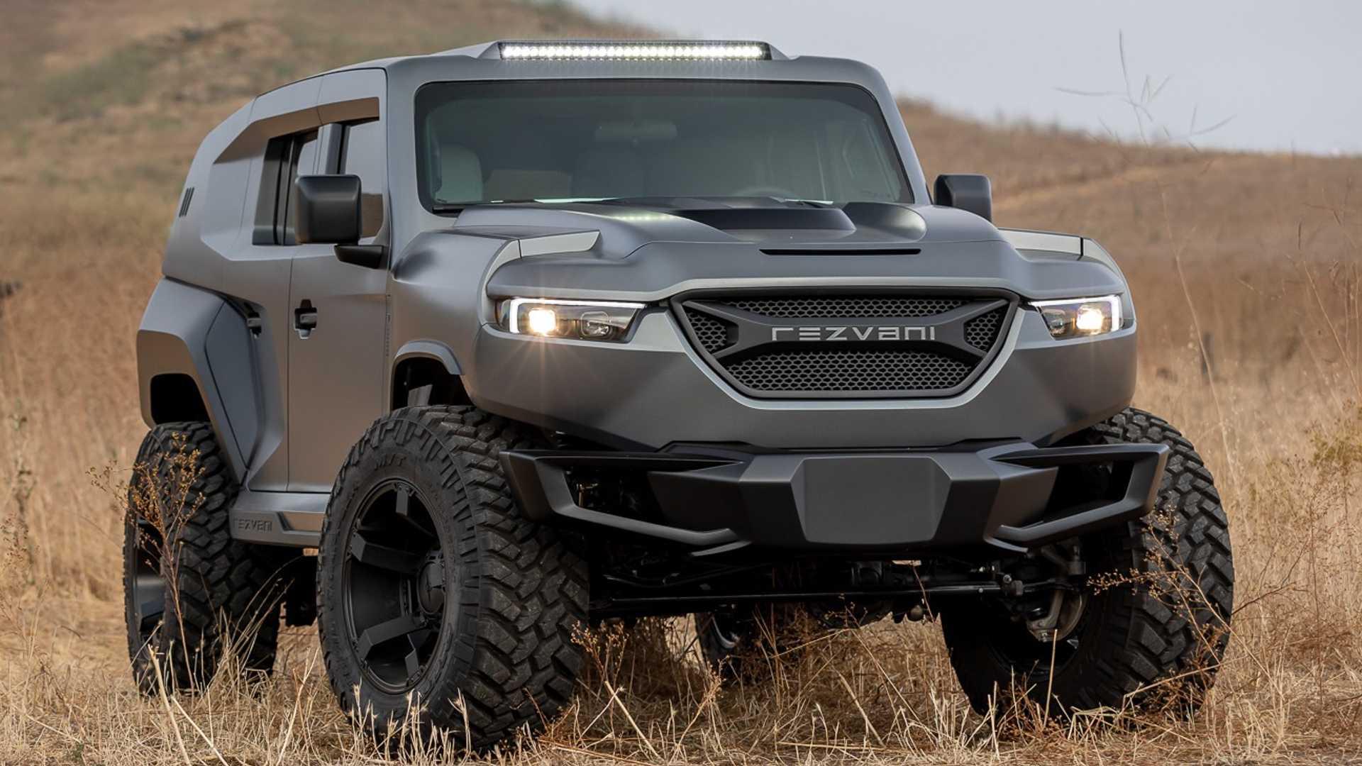 Компания Rezvani (Калифорния) официально презентовала новый Tank X с доработанным движком от Dodge Challenger SRT Demon мощностью 1014 л.с. Такой «заряд» делает внедорожник самым мощным в мире (среди серийных).
