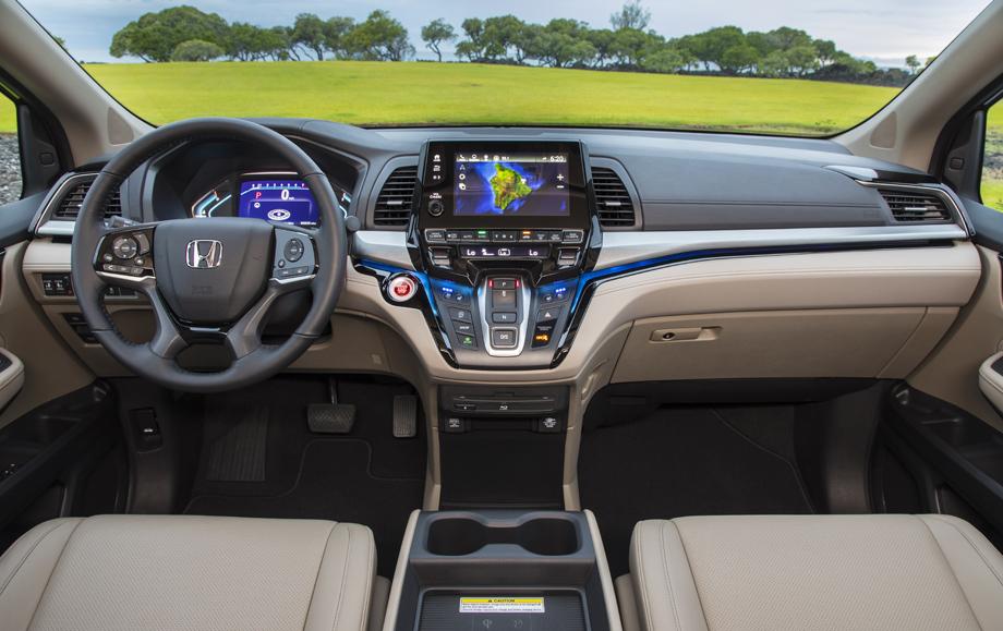 Продажи минивэнов в США падают, но Honda Odyssey достаточно популярен: в прошлом году куплено более 100000 штук, а за первую половину нынешнего года – почти 50000. Теперь минивэн обновился.