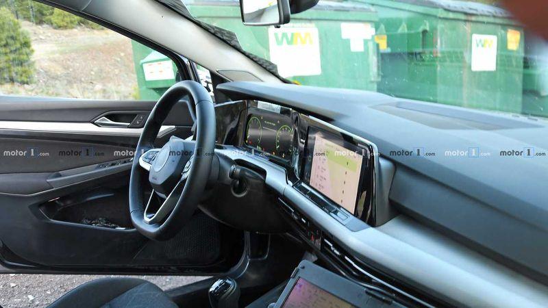 Новое поколение Skoda Octavia проходит испытания. Осtavia входит в топ-10 самых популярных авто в Европе, и четвертое поколение должно развить успех.