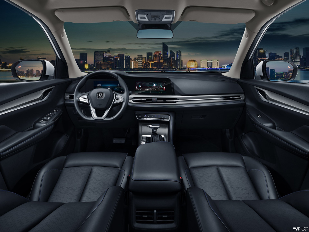 Chinese carmaker Changan has introduced the 2019 update of its best-selling crossover SUV, the CS55. The VW Tiguan-sized car gained a number of exterior and cabin improvements.