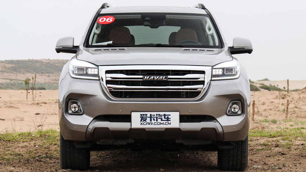 Chinese car manufacturer Haval has refreshed its H9 SUV on the domestic market. The car sports a revised front fascia with LED headlights and comes with new on-board tech.