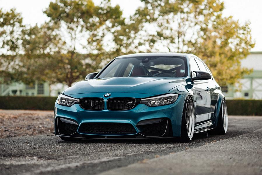 В конце прошлого года калифорнийский тюнер Performance Technic Inc. продемонстрировал свое видение BMW M3 (F80). Седану представительского класса достались трехсоставные кованые «катки» BBS LM-R, койловеры KW Variant 2, углепластиковый обвес и роскошная ливрея «Синяя Атлантида». И вот пришло время обновить тюнинг-кит для данной модели.