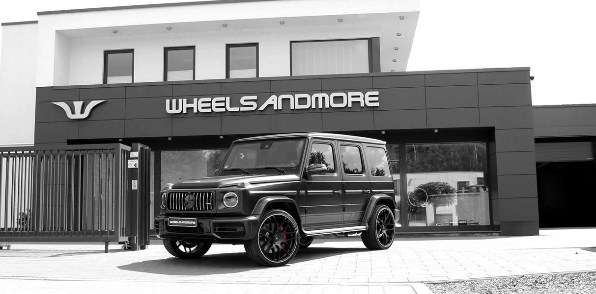 Известная мастерская Wheelsandmore из Германии взялась за доработку новейшего Mercedes G-Class (W463A) в исполнении G63 AMG. Внедорожнику досталась парочка экстерьерных «примочек» и форсировка до 780 л.с. и 1000 Нм.