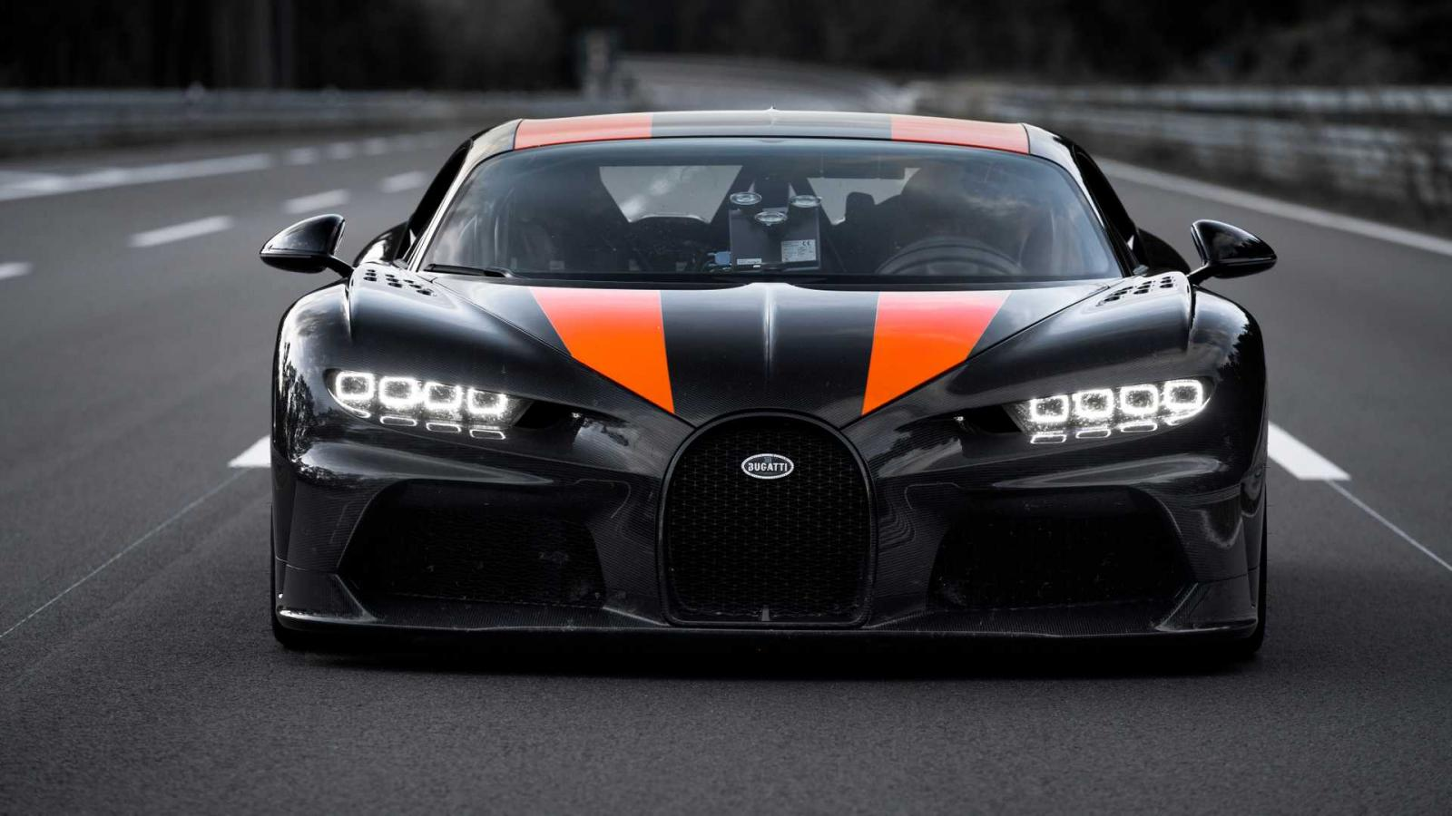 Bugatti has set a new world speed record for production cars. To achieve this, a Chiron hypercar was slightly tweaked by Dallara.