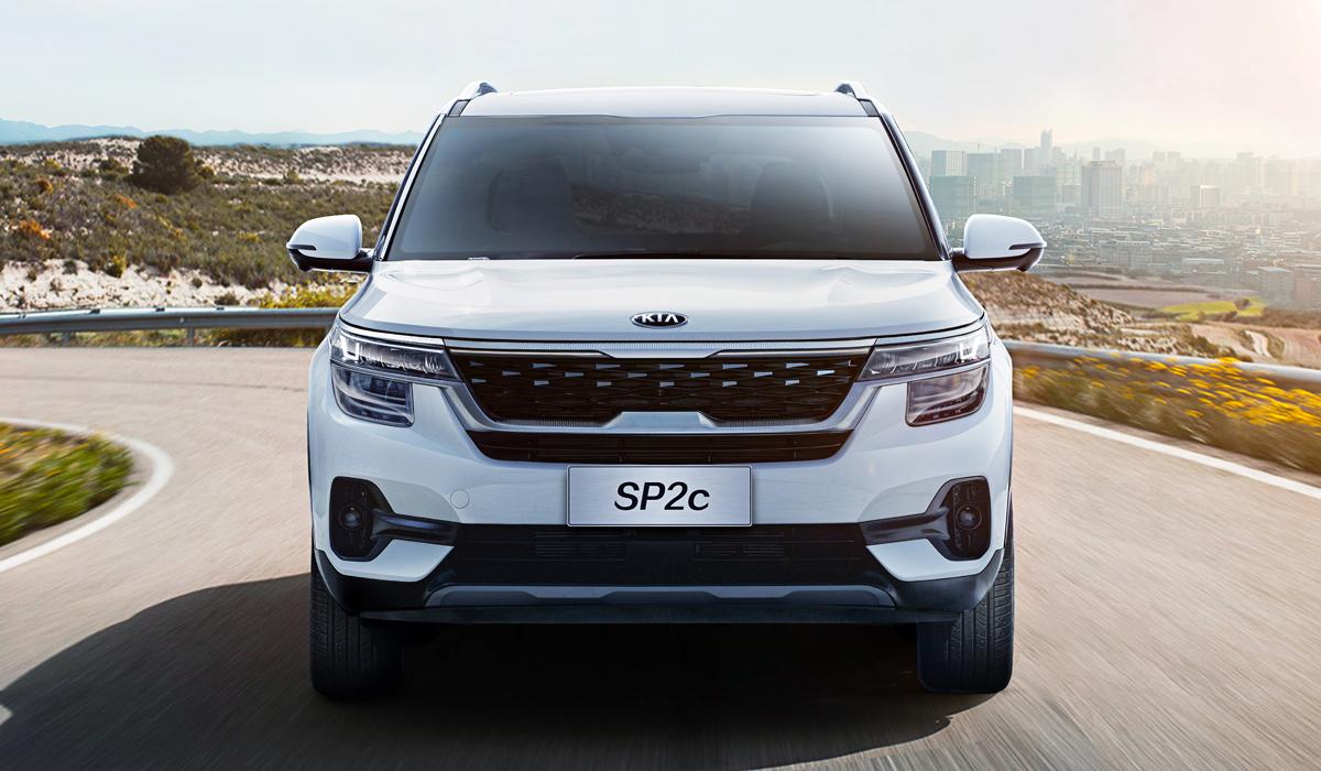 В настоящий момент Kia Seltos существует в двух разновидностях, отличающихся габаритами, дизайном салона и набором двигателей. Первый «близнец» продается в Индии, второй – в Южной Корее, а позже он появится в США и других странах. На подходе третий вариант, предназначенный для КНР. Пока он называется SP2c, но к дилерам он прибудет под именем KX3.