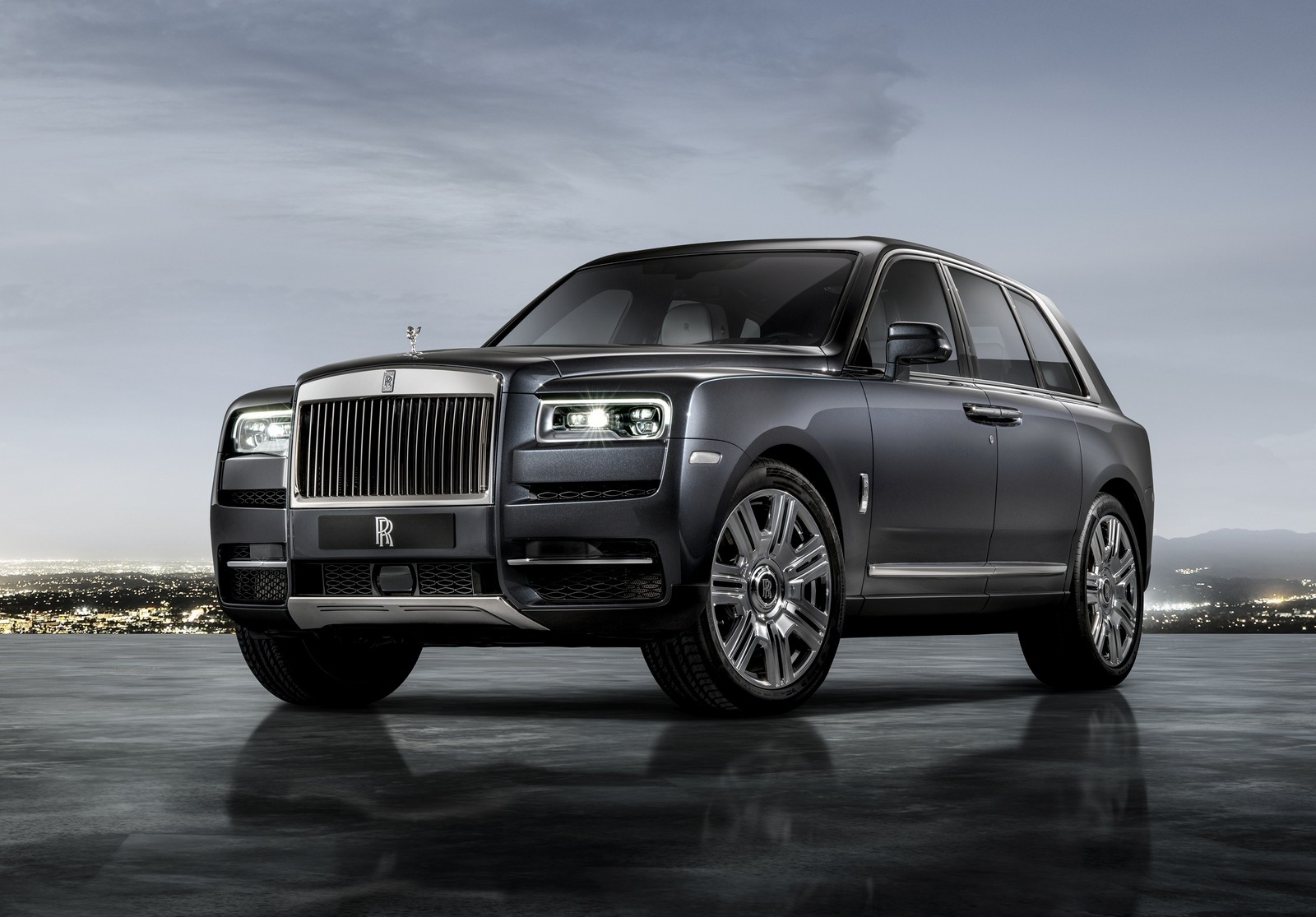 Recent rumors indicated that Rolls-Royce was busy developing a performance version of its Cullinan SUV. Now, multiple sources have reported what looks like the main specs of the alleged Cullinan Black Badge.