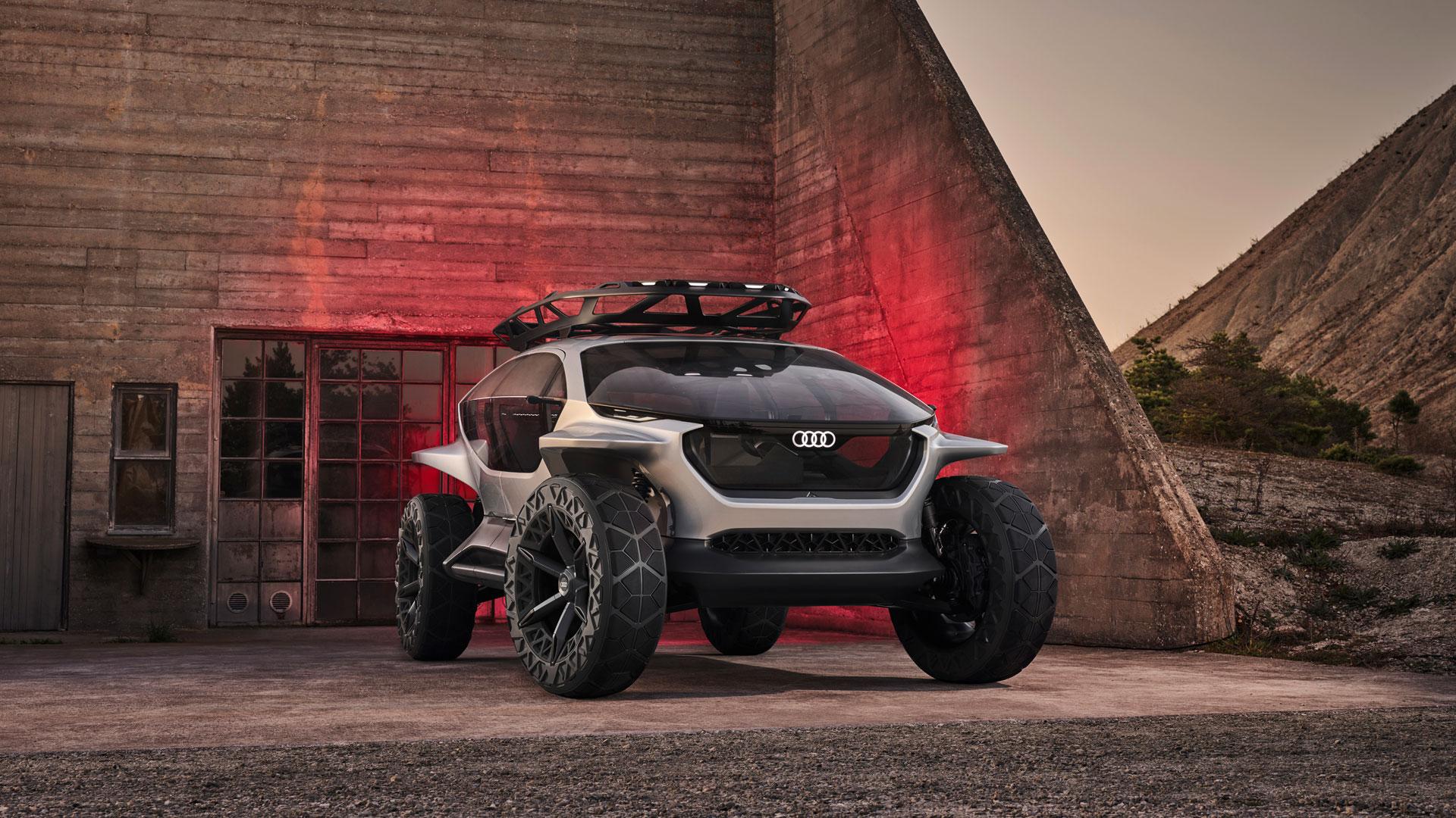 Состоялась официальная премьера кроссовера Audi AI:Trail – четвёртого концепта семейства AI, к которому относятся Aicon, AI:Me и AI:Race (последний раньше назывался PB18 e-tron).