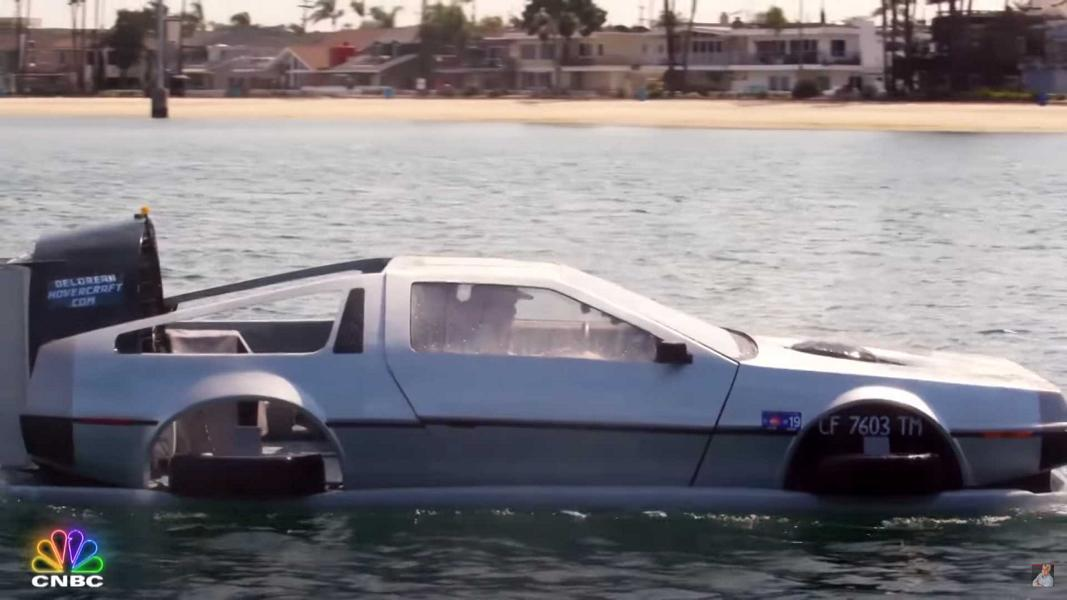Car aficionado Matt Riese (@davidlorean) has finished building a unique DeLorean DMC-12 replica that can sail in water. Jay Leno, U.S. renowned comedian and avid car collector, was among the first to test it out.