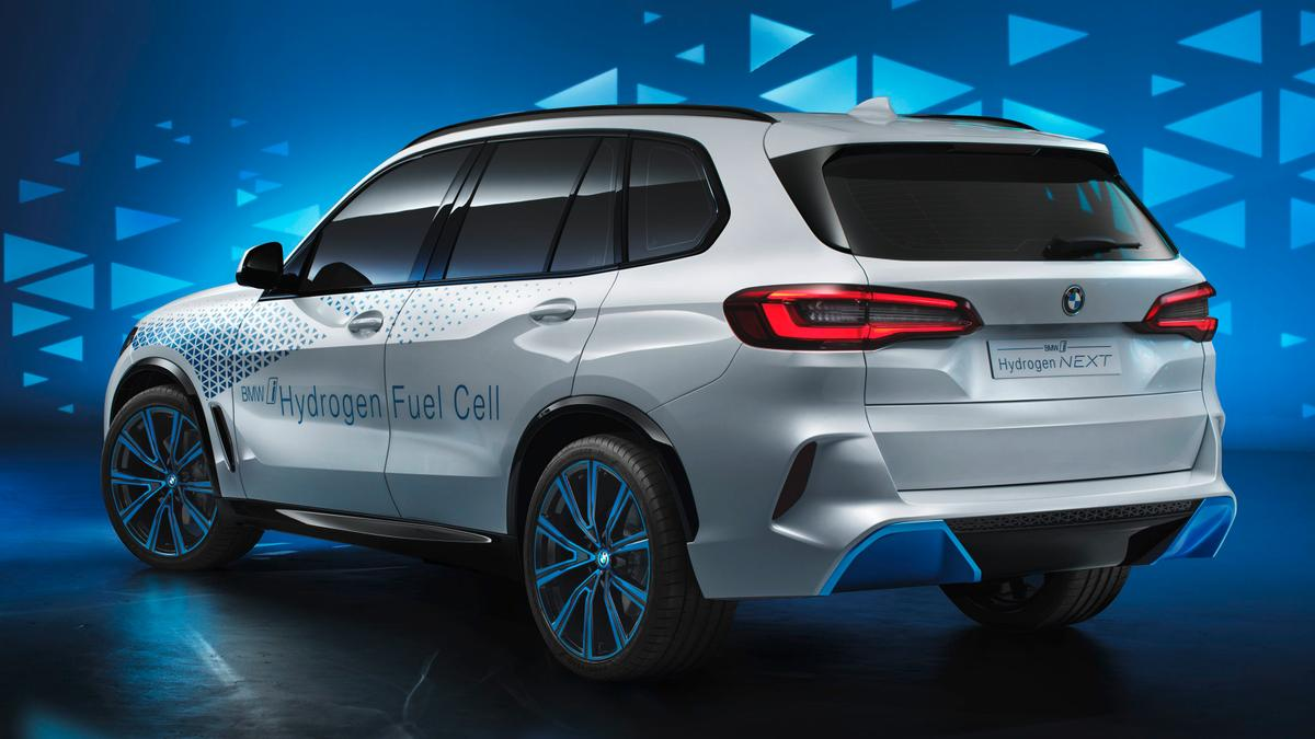 BMW has unveiled another conceptual version of its X5 SUV at the Frankfurt show, this time around one powered by hydrogen fuel cell tech.