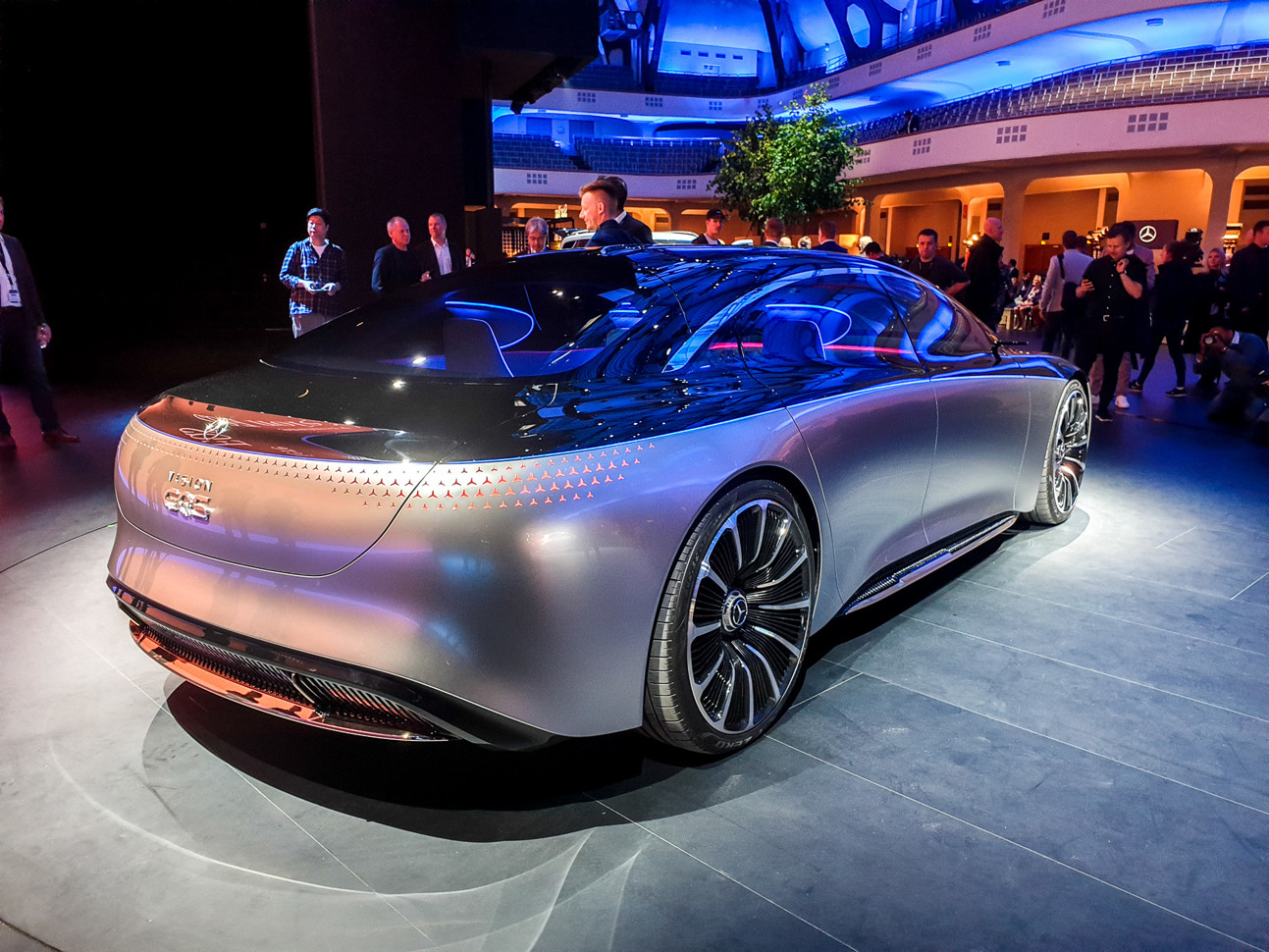 Mercedes Vision EQS concept - luxurious all-electric concept previews halo EV model