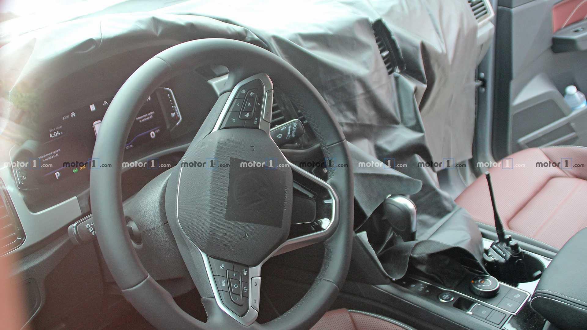 Прототип купе-кроссовера Volkswagen Atlas Cross Sport (на видео) был показан ещё прошлой весной, а в нынешнем году в Китае начались его продажи под названием Teramont Х.