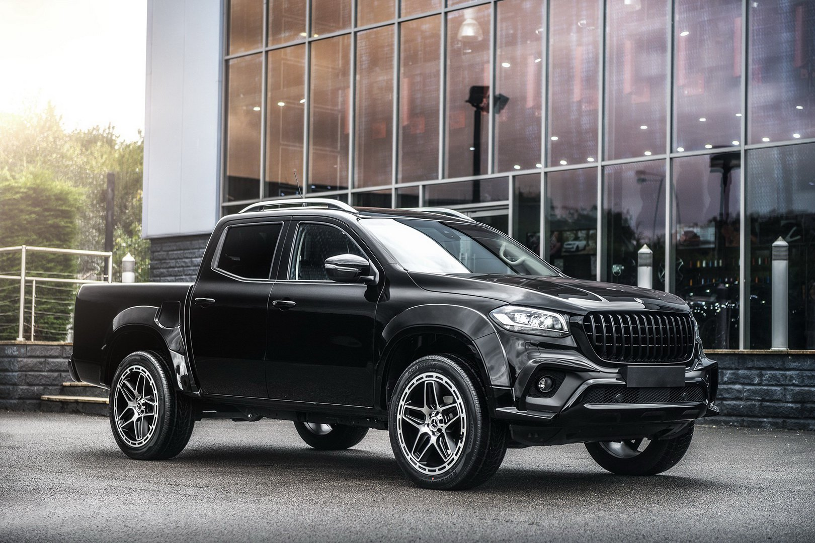 You may say that Polish tuner Carlex Design has the craziest stylistic makeover for the Mercedes-Benz X-Class pickup on the market (the 'crazy' definition expands as far as the €105,000 price tag, too). However, this specimen by Kahn Design is hardly less impressive, and at approximately €62,000, it is more affordable, too.