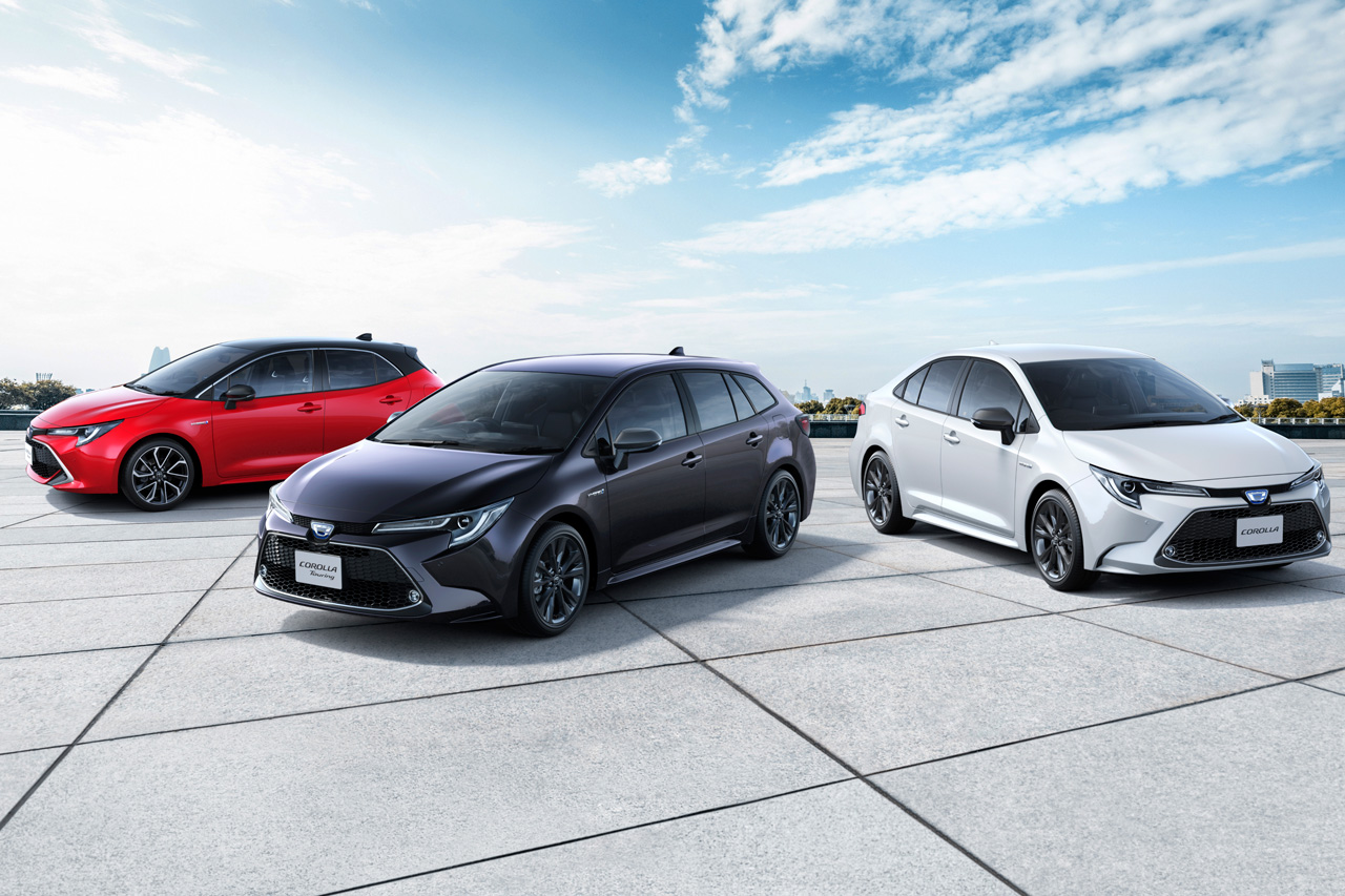 Customers in Japan now also have access to the Toyota Corolla sedan/saloon and estate/wagon models that previously debuted on other markets, as well as the slightly facelifted Corolla Sport hatchback.