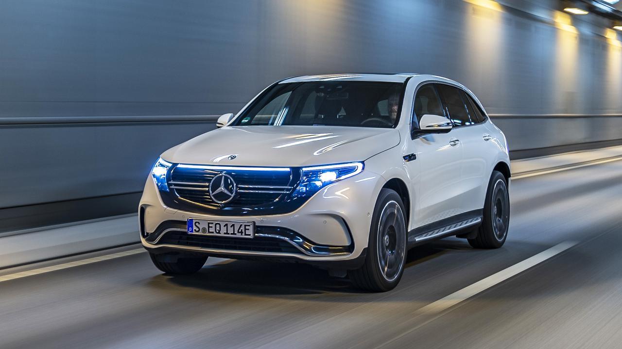 Глава отдела разработок концерна Daimler заявил, что Mercedes-Benz через несколько лет прекратит выпуск автомобилей с ДВС. Разработка новых бензиновых двигателей уже прекращена, и нынешняя генерация таких моторов может стать последней.
