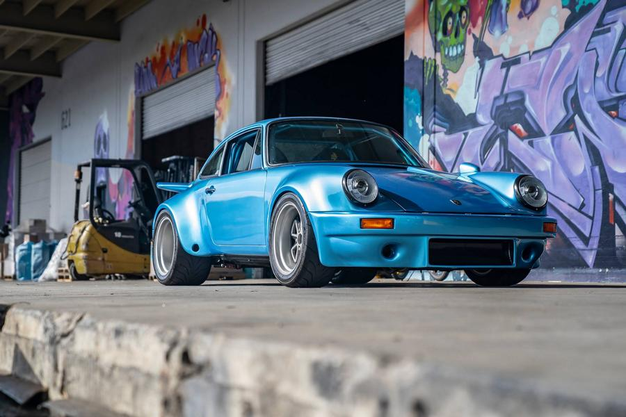 This project is not really new, but it is still a masterpiece worth returning to. California-based Bisimoto Engineering has not just restored this 1975 Porsche 911 (930) Turbo to top condition, but also gave it a 1,200-horsepower engine.
