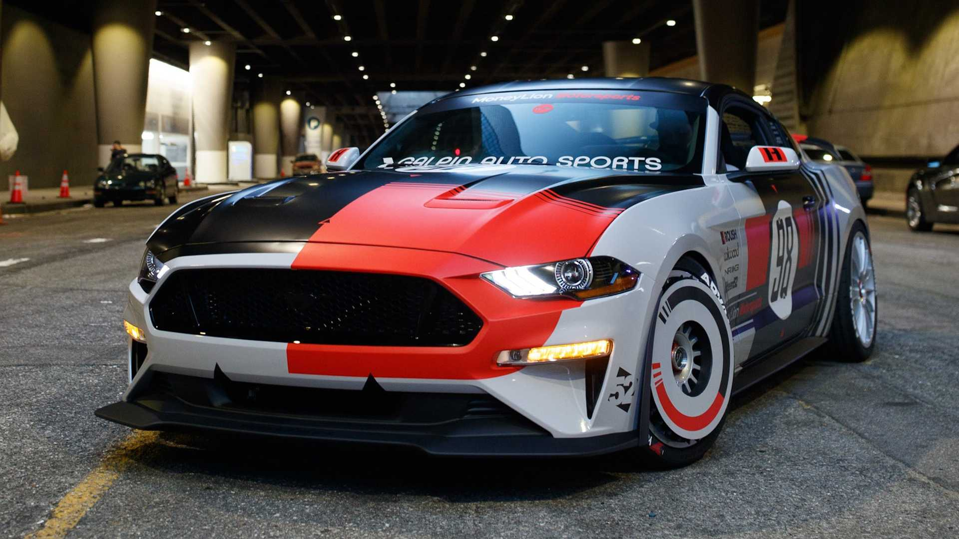 NASCAR racing driver Ryan Blaney, designer Khyzyl Saleem and photographer Larry Chen have unveiled the result of their cooperation: a unique retro-styled Ford Mustang that will be exhibited at the upcoming SEMA Show in Las-Vegas.