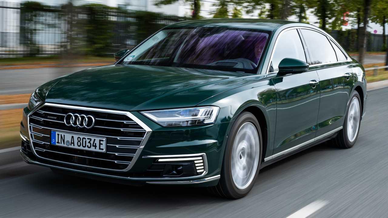 Флагманские седан и кроссовер марки Audi получили гибридные модификации 60 TFSI е.