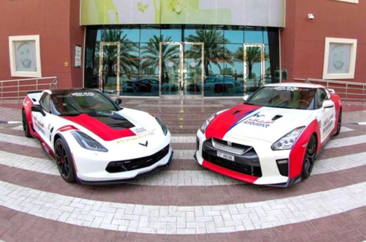 Исполнительный директор DCAS Халиф Бин Драи сообщил о пополнении автопарка скорой медицинской помощи Дубая тремя новыми автомобилями: мощным внедорожником «Рэндж Ровер» и суперкарами Chevrolet Corvette C7 и Nissan GT-R.