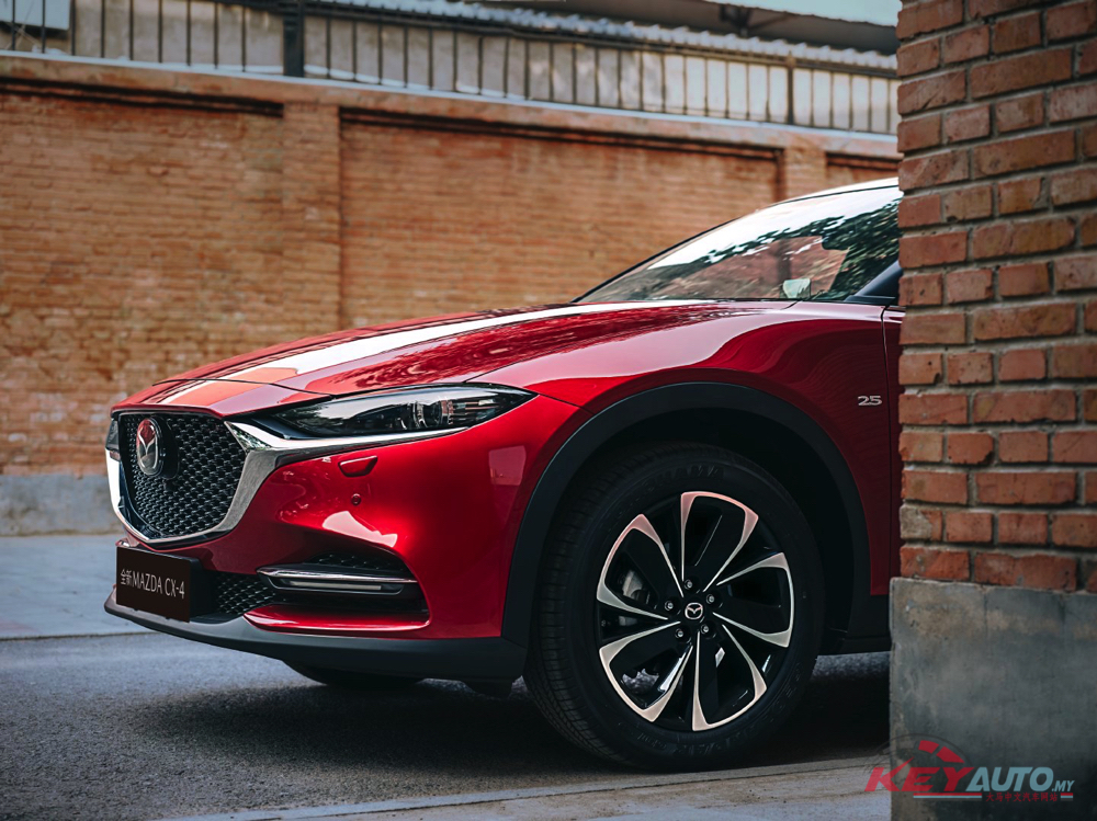Mazda dealership throughout China will be receiving their first copies of the 2020 CX-4 later this month. Let us see what's new in the coupe-shaped SUV.