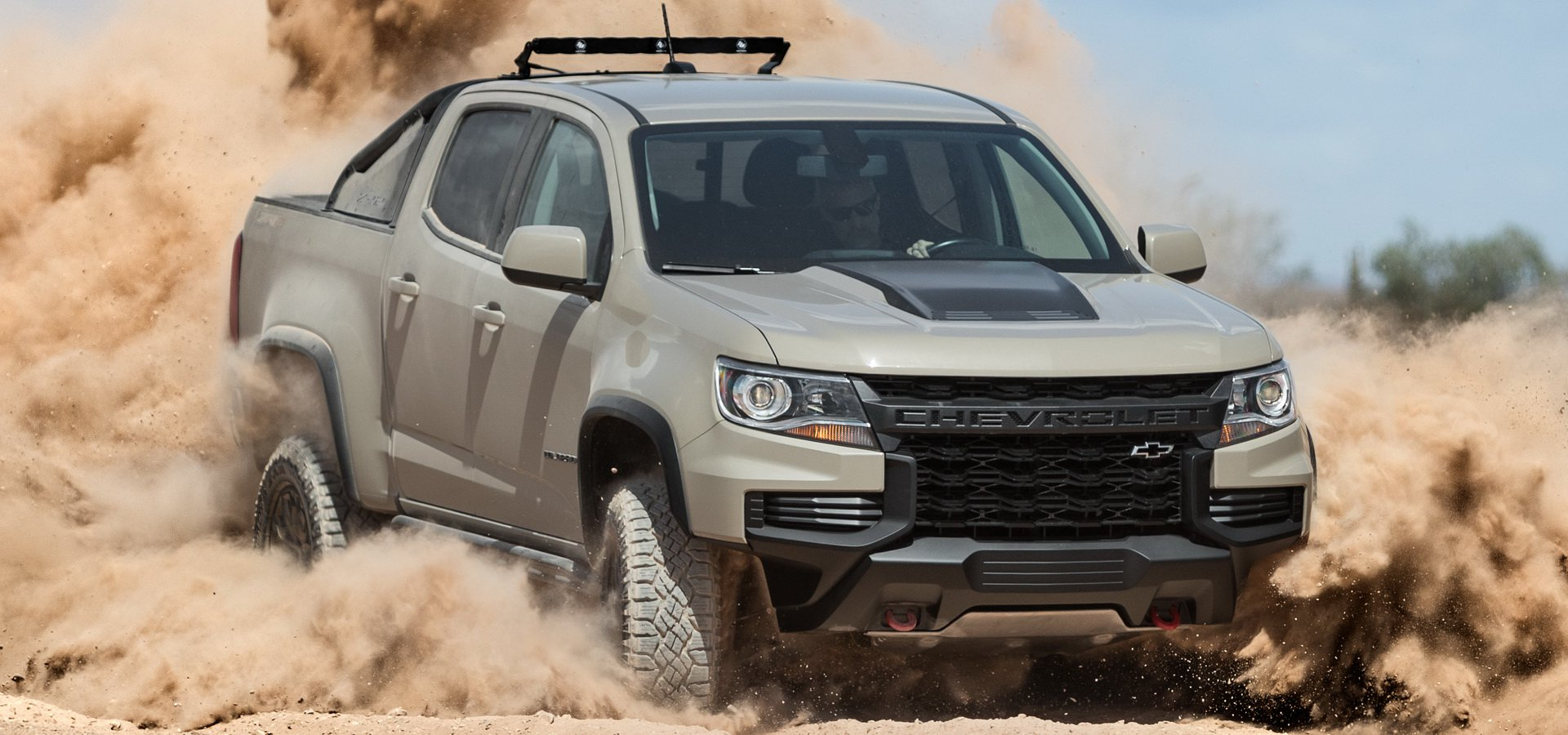 The ZR2 variant of the Chevrolet Colorado has been on the market since 2017 and is due a minor design update, which is what it will receive next year. The North American carmaker claims the new aggressive design better suits the capabilities of the off-road truck.
