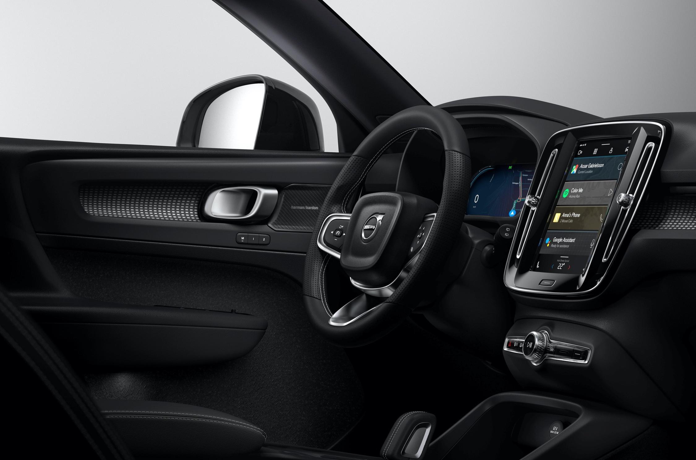 Компания «Вольво» раскрыла очередную порцию данных о Volvo XC40 на электротяге. На этот раз речь идет об информационно-развлекательном комплексе.
